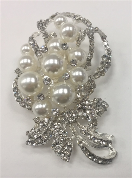 BRO-RHS-267-SILVER. Clear Rhinestones and Pearls on Silver Metal Broach - 1.5 x 3 Inches