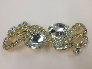 CLZ-RHS-002-GOLD.  CRYSTAL RHINESTONE CLOSURE.  4.0 X 1.5 INCHES