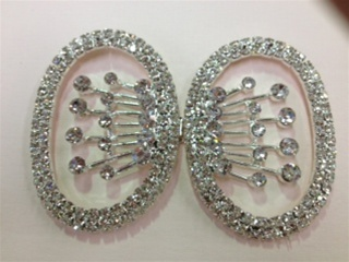 CLZ-RHS-006-SILVER.  CRYSTAL RHINESTONE CLOSURE.  3 X 2 INCHES
