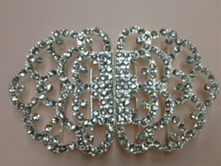 CLZ-RHS-007-SILVER.  CRYSTAL RHINESTONE CLOSURE.  3x2 INCHES