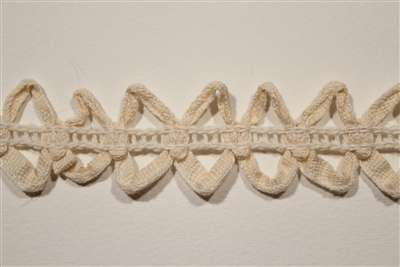 LNS-CLU-110-NATURAL.  Cluny Lace