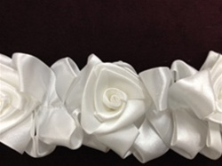 LNS-FLR-144-WHITE.  Floral Lace/Trim
